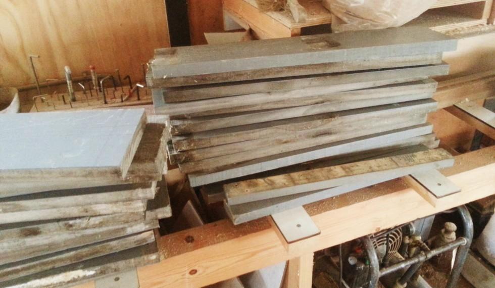 kast van sloophout en klimwand R04 003