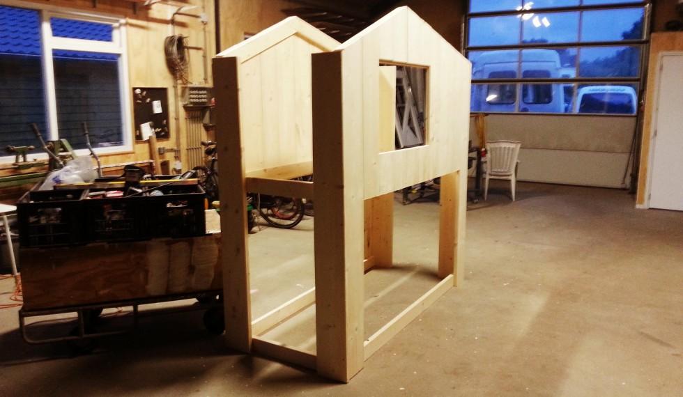 stapelbed hut steigerhout thijs R04 003