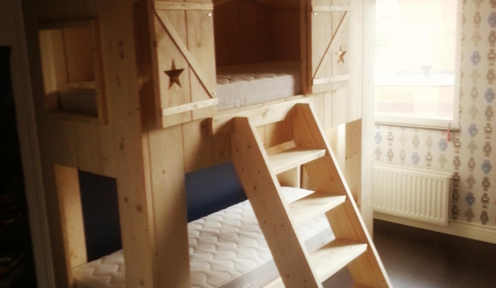 stapelbed hut steigerhout thijs R04 010